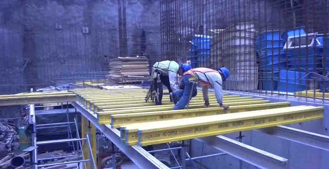 Trabajadores construcción-RevSobreOru.jpg